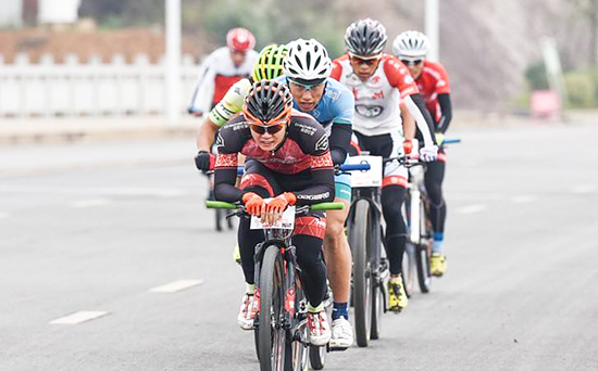 Cycle on the road with MTB in China is popular