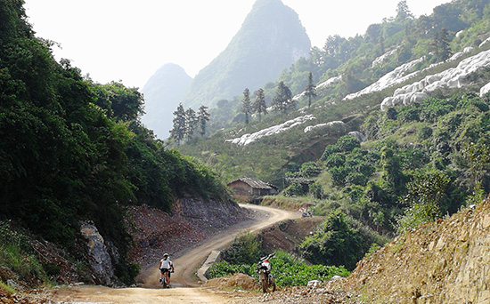 Cycle from Guizhou to Guangxi, Bike tour of Guizhou and Guangxi.