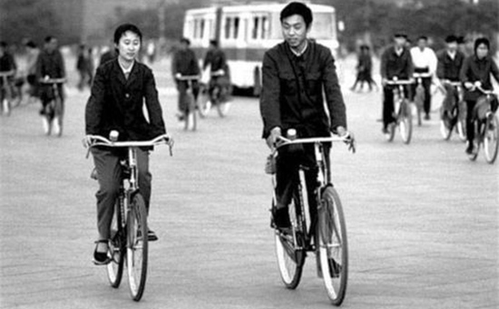 Popular Bikes and How People Cycle in the 1980s