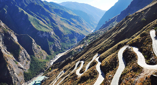 Views on the Highway of Tiger Leaping Gorger, TLG trekking and biking