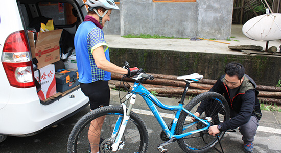 Reliable bike fixer, experienced supporting for China cycle holidays.