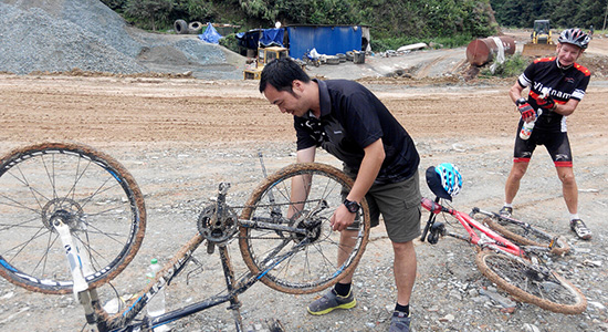 Get helped anytime when you need during cycling in China.