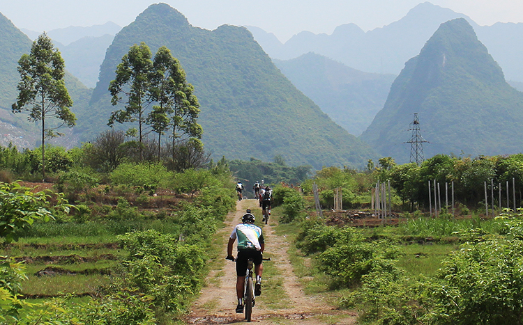 Yangshuo Mountain Bike Tours with Guilin Cycling Tours