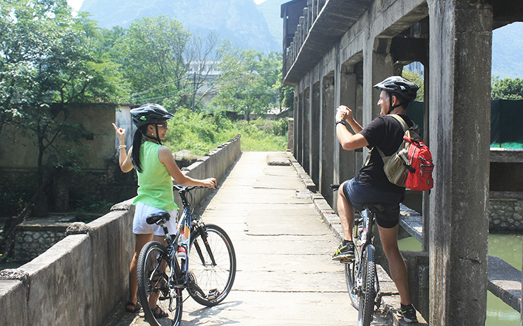 Half day bike tour around Guilin