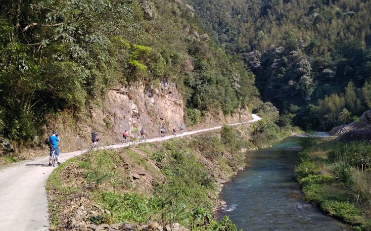 Cycling to the remote village in Guilin and Yangshuo