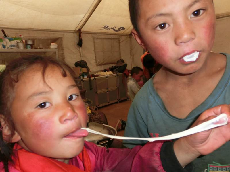 A bubble gum can makes the kids exciting for whole day in Tibetan area.