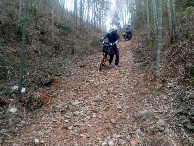 Riding and Hiking in mountains at Ziyuan